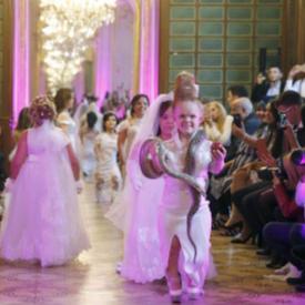 Висша мода за малки хора по време на Седмица на модата в Париж