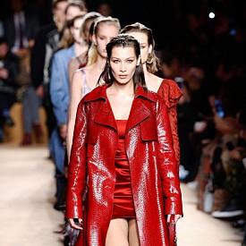 Пол Съридж ще покаже втората си дамска колекция за Roberto Cavalli. Този сезон ще научим в каква посока е поела модната марка.