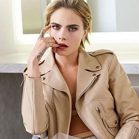 Кара Делевин e новото лице на Dior Addict