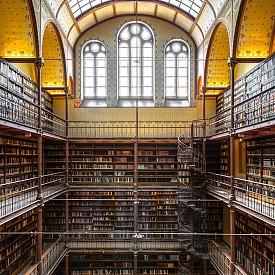 Rijksmuseum Research Library се намира в Държавния музей в Амстердам. Създадена през 1885 г., тя е най-голямата библиотека за изкуство в света.