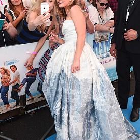 """Снимки от световната премиера на мюзикъла """"Mamma Mia! Отново заедно"""""""
