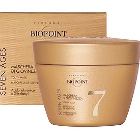 BIOPOINT SEVEN AGES подмладяваща маска се грижи за младостта и блясъка на косата, като предотвратява седемте признака на стареене: накъсване, цъфтящи краища, чупливост, изтъняване, избледняване на цвета, сухота и посивяла коса. С иновативна формула с хиалуронова киселина, растителен комплекс и глутаминова киселина.