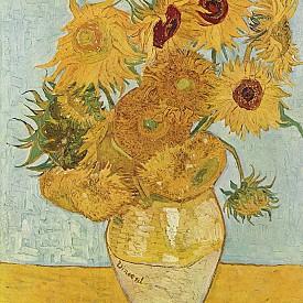 Френски слънчогледи, чаша вино и Ван Гог