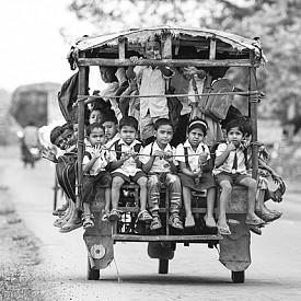 На моторетка, Белданг, Индия
