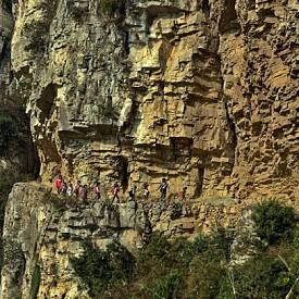 5-часов път към училище, Гулу, Китай