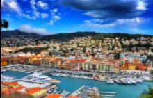 Гледката към пристанището на Ница от Colline du Chateau