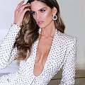 Изабел Гулар в рокля с диамантени мъниста