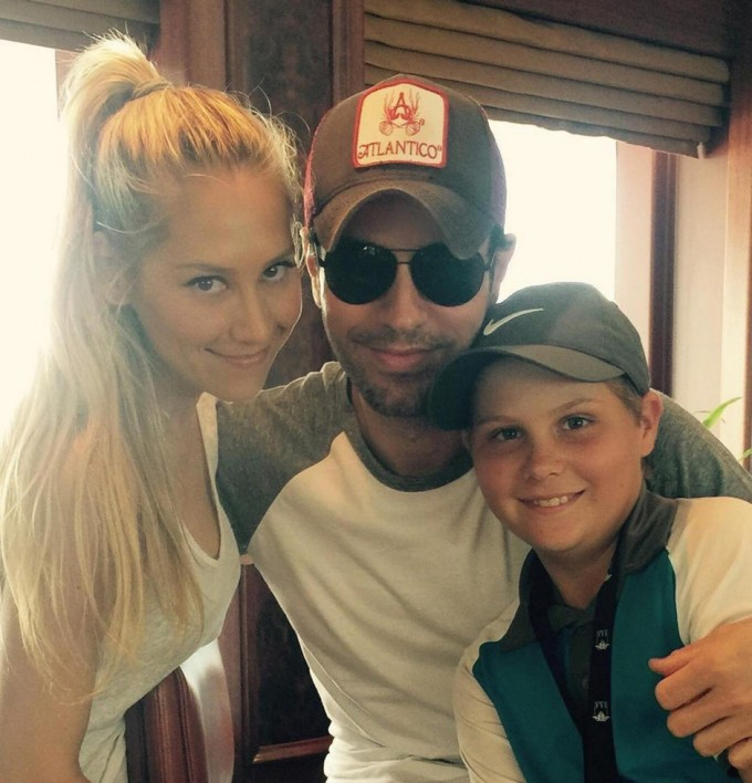 Анна Курникова и Енрике Иглеасиас с брата на тенис звездата