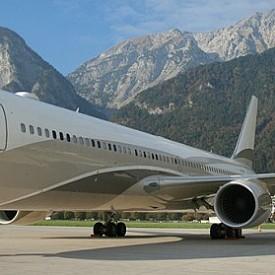 """Руският олигарх Роман Абрамович е притежател на Boeing 767-33A – """"Бандитът"""", чийто цена не се споменава никъде като и информация."""