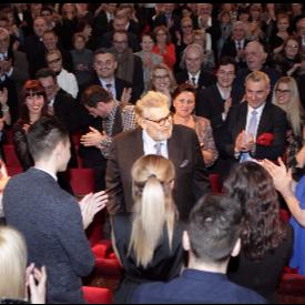 800 души на крака аплодираха Стефан Данаилов