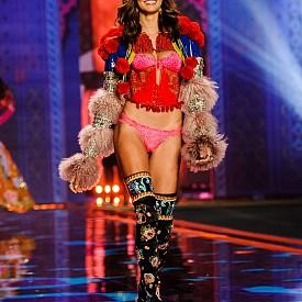 Барбара Фиалхо, Victoria's Secret,  2014