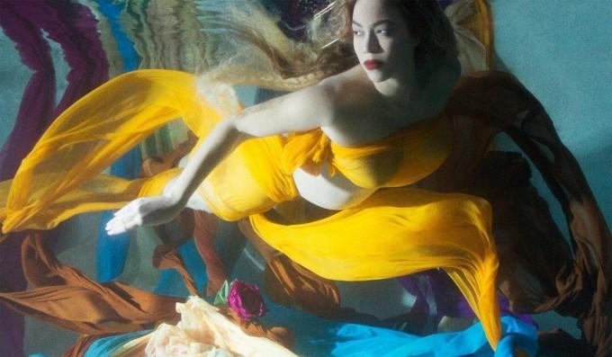 Бременната Бийонсе с невероятно красива фотосесия