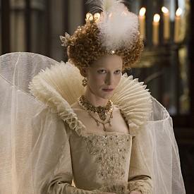 Кейт Бланшет като Елизабет I