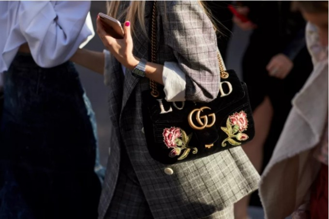 Полицията в Ротердам може да конфискува луксозната ви чанта, ако не им хареса