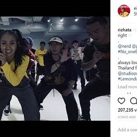 @riehata ,  217K Instagram Followers