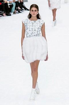 Chanel есен-зима 2019-2020 г., последното творение на Карл Лагерфелд