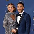 12 звезди двойки на червения килим на EMMY 2018