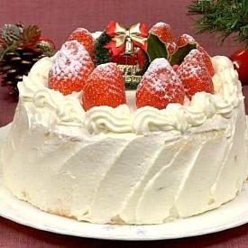 Япония  Коледа не е национален празник в Япония, но това не пречи на голям брой хора да го отбелязват. Дядо Коледа или Санта Кирошу имал очи на тила си, за да държи под око палавите деца. Японската коледна торта обикновено е пандишпанова с бита сметана и ягоди.