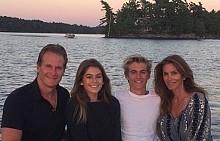 Синди Крауфорд и нейното семейство