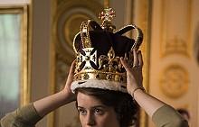 Клеър Фой като кралица Елизабет II