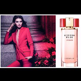 Превърнете се във вдъхновение с новия аромат Modern Muse Le Rouge