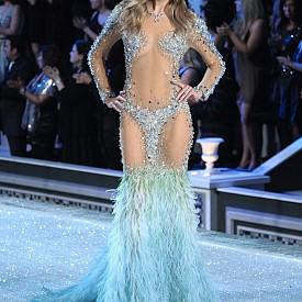 Констанс Яблонски, Victoria's Secret,  2011
