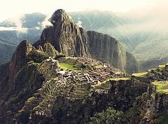 КУСКО, ПЕРУ /  Мачу Пикчу и Свещената долина на Перу трябва да бъдат в списъка ви за пътешествия, но през 2016-та е най-подходящо. Сайтът на ЮНЕСКО  World Heritage Site (http://whc.unesco.org/) предлага изключителни условия за приключения. Стартира през юли.  Ако решите да се възползвате, ще имате възможност например да отседнете в царевична плантация в сърцето на Sacred Valley, в земята на инките. Разбира се, луксозната почивка не е единствената причина. Explora предлага изключително вълнуващи екскурзии като Cuzco's explora Valle Sagrado. Това е наистина различно преживяване.