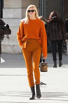 Девон Уиндзор в оранжево