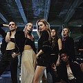 "Камил Роу танцува във видеото ""Poison Club"""