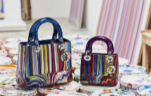 Кой изцапа новите чанти на Dior?