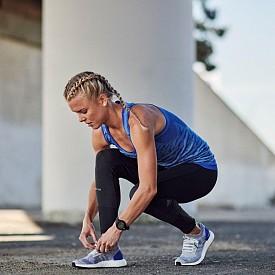 Професионалният лекоатлет, бегач на дълги разстояния Dominique Scott-Efurd