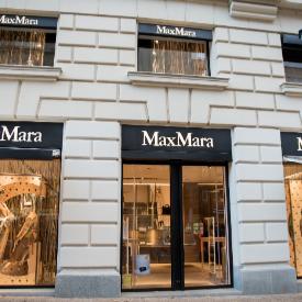 20 години стил и класа в топлата прегръдка нa Max Mara