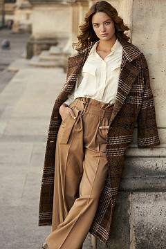 Палто MANGO, блуза MASSIMO DUTTI, панталон & OTHER STORIES