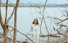 Елек 1.3 Phillip Lim, рокля RORA, колие и обеци  Oscar De La Renta.