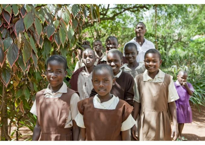 Група ученици в Кения