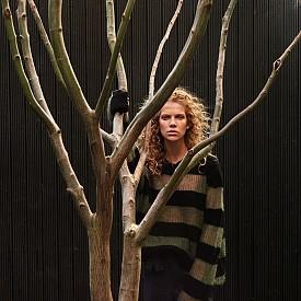 Блуза: Alexander McQueen / Панталон: Isabel Marant Etoile