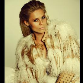 Модел: Ioanna Zoi