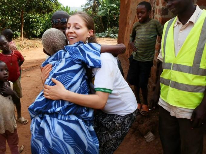Емили в Уганда