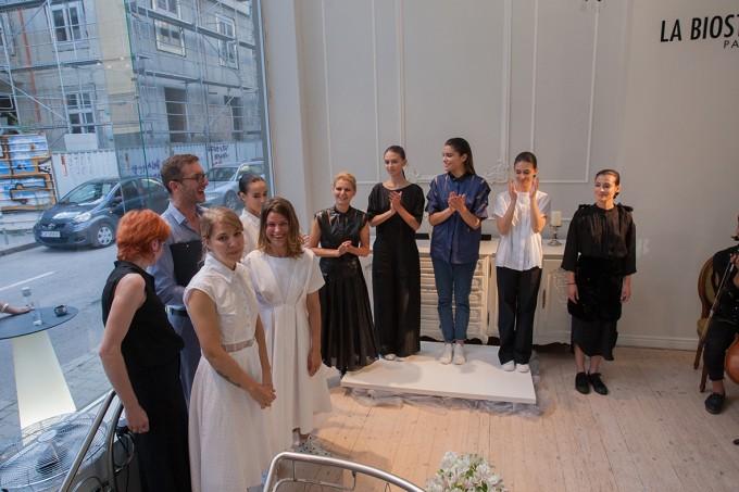 Българската дизайнерка Евгения Попова покорява модния свят на Азия