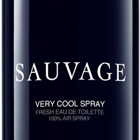 COOL: с нова, cool визия излиза и Sauvage на DIOR. По-лек и по-удобен, новият флакон открива сезона на морските уикенди. Sauvage Very Cool Spray е неотлъчната компания на свободолюбивия авантюрист. С нотки на бергамот и грейпфрут, ароматът е свеж и в същото време изразителен. Различен, като стила в новата колекция на DIOR. 100мл, 144лв.