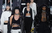 Риана представи първата си модна колекция Fenty x Puma