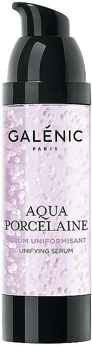 При сивкав тен изберете гел-серум. Леката формула с микроперли, пълни с витамин С, на серума от серията Aqua Porcelaine на GALENIC изравнява тена, премахва пигментните петна и дарява кожата с естествено сияние.