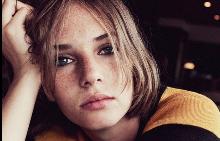 Дъщерята на Ума Търман и Итън Хоук стартира кариера на модел