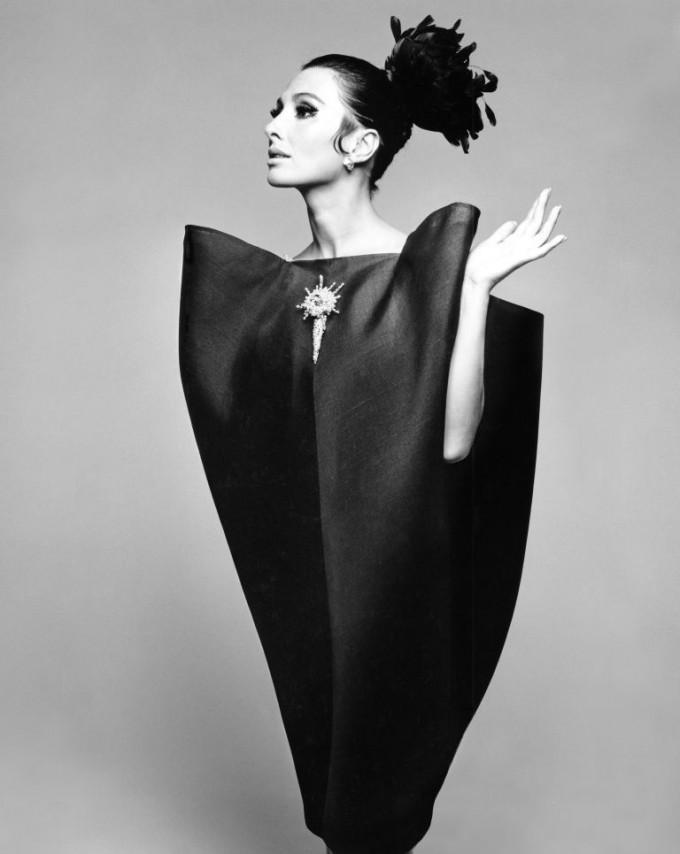 Алберта Тибурзи в рокля на Balenciaga