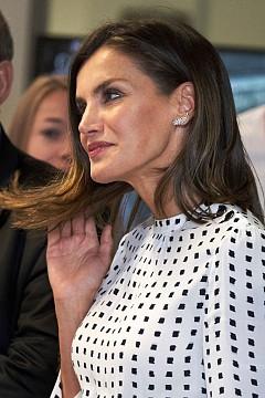 Кралица Летисия в рокля на Massimo Dutti
