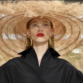 Най-интересните аксесоари и бижута от седмицата на модата в Париж, пролет-лято 2019