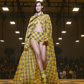 SUPERMODEL: Всички изяви на Бела Хадид по време на Седмиците на модата есен-зима 2019/2020