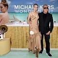 Джиджи Хадид в slip dress на премиерата на новия парфюм на Michael Kors