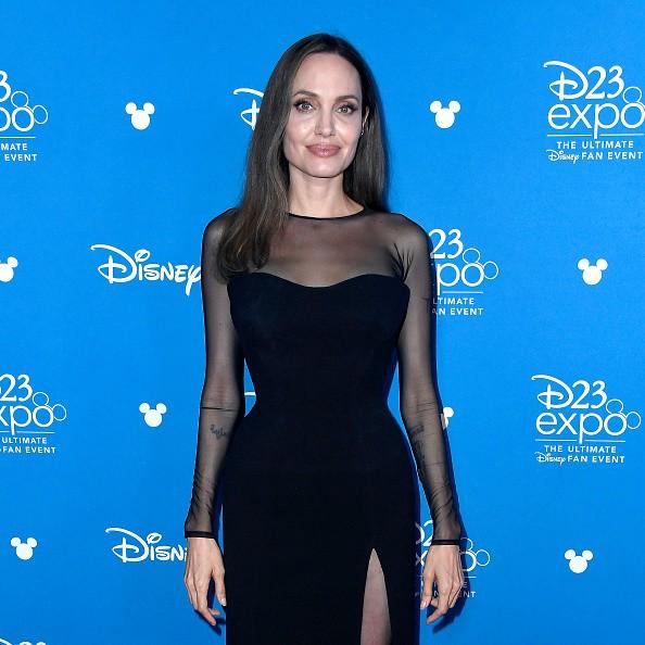 Джени Шимизу, с която Анджелина Джоли е имала...