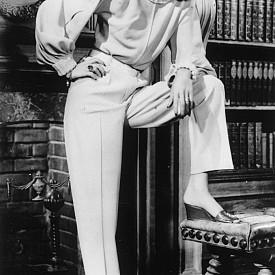 """""""Ние, жените, винаги сме влюбени в мъже от един тип. Това е нашата форма на моногамия."""" Лорън Бакол, американска актриса"""